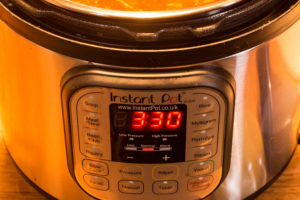 Image showing the settings for the Instant Pot used to cook the tomato soup base.
