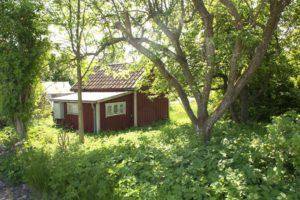 A typical country stuga (cabin) in the Swedish countyside.